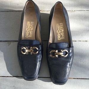 Salvatore Ferragamo black loafers Sz 7.5